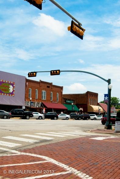 Broad Street (US Hwy 80), Mineola, Tx
