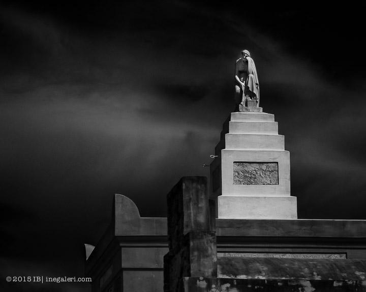 Ine Burke | St Louis Cemetery-1