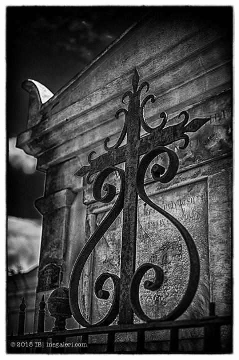 Ine Burke | St Louis Cemetery-14